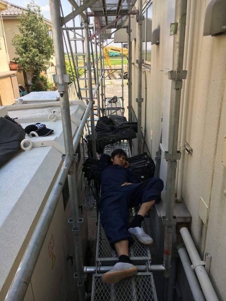 Chùm ảnh: Cư dân mạng Việt tại Nhật chia sẻ những giấc ngủ vội vàng giữa ca làm việc-2