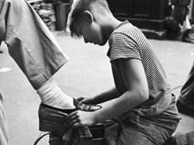 Bài học đầu tiên của cha giúp cậu bé bán giày dạo trở thành người giàu nhất Philippines