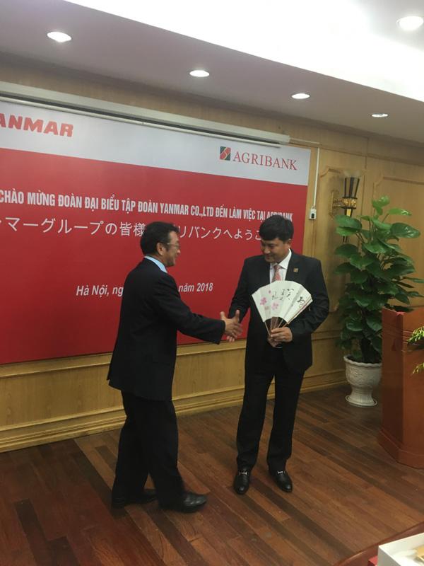 Hơn 400 khách hàng Agribank vay vốn mua máy Yanmar-1