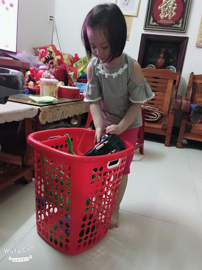 Tự đưa mình vào tình huống bận rộn - chiêu dạy con làm việc nhà đâu ra đấy của mẹ Đà Nẵng-2