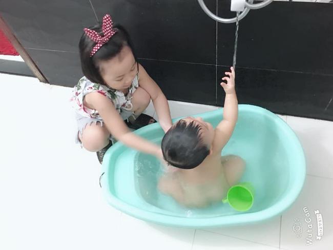 Tự đưa mình vào tình huống bận rộn - chiêu dạy con làm việc nhà đâu ra đấy của mẹ Đà Nẵng-5
