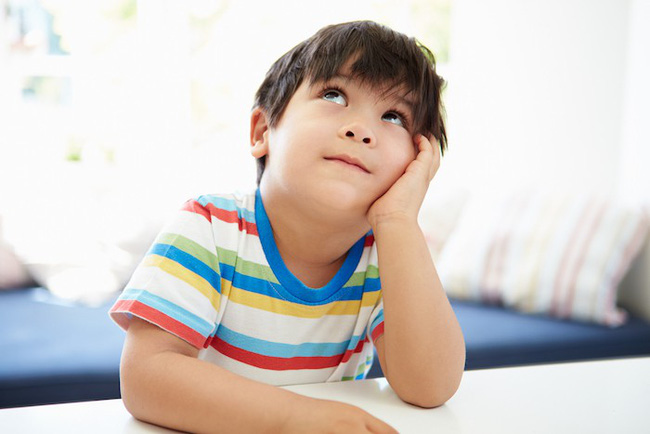 Theo phương pháp Montessori thì đây là 10 việc nên để con tự làm-10