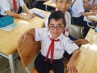 Nghị lực đến trường của nam sinh 'tí hon' 18 tuổi, nặng 20kg