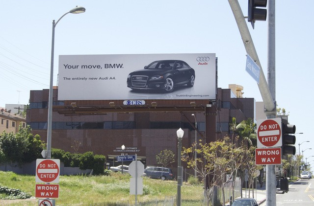 Chiến tranh giữa các vì sao: Khi các thương hiệu lớn dìm hàng nhau không thương tiếc bằng quảng cáo-10