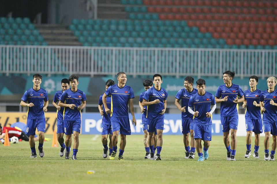 Tuyển Việt Nam chuẩn bị AFF Cup: Thầy Park vượt khó thế nào?-2