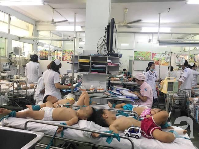 Phụ huynh rối bời vì trẻ bị tay chân miệng ở TP.HCM tăng gấp 5 lần-2