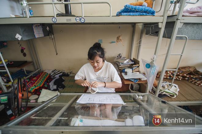 Khám phá ký túc xá của ngôi trường có kiến trúc đẹp nhất nhì Việt Nam, nơi sinh viên ăn-ngủ-sinh hoạt cùng bảng màu, giá vẽ-10