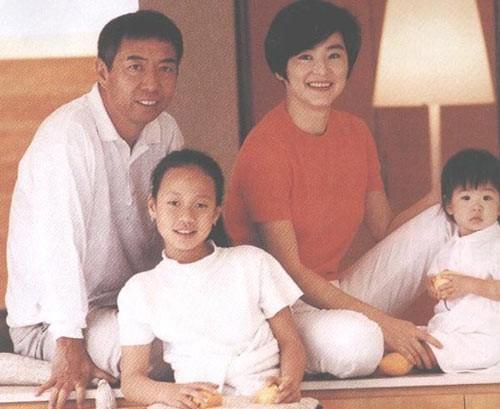 Đông Phương Bất Bại Lâm Thanh Hà: Mang danh hồ ly giật chồng 20 năm và cuộc hôn nhân tức tưởi với tỷ phú Hong Kong-10