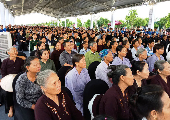 Người dân quê nhà rơi lệ xem Lễ truy điệu Chủ tịch nước Trần Đại Quang-1