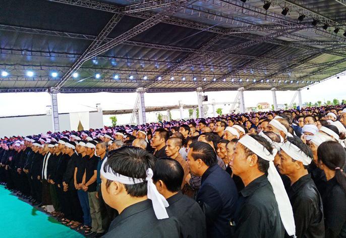 Người dân quê nhà rơi lệ xem Lễ truy điệu Chủ tịch nước Trần Đại Quang-3