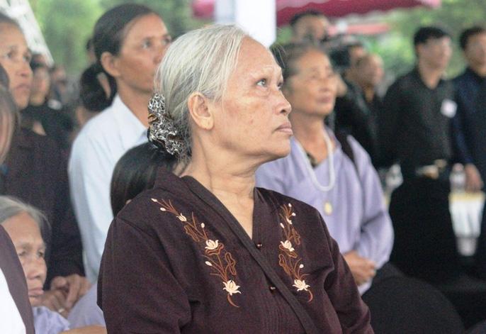 Người dân quê nhà rơi lệ xem Lễ truy điệu Chủ tịch nước Trần Đại Quang-7