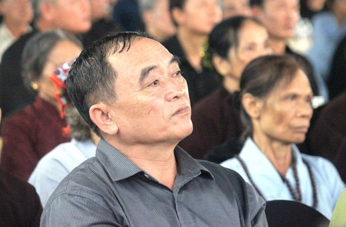 Người dân quê nhà rơi lệ xem Lễ truy điệu Chủ tịch nước Trần Đại Quang-9