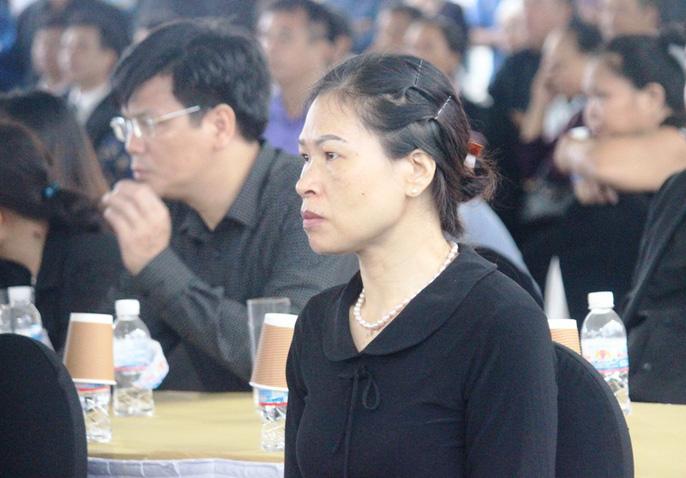 Người dân quê nhà rơi lệ xem Lễ truy điệu Chủ tịch nước Trần Đại Quang-15