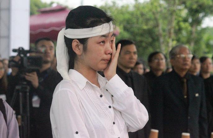 Người dân quê nhà rơi lệ xem Lễ truy điệu Chủ tịch nước Trần Đại Quang-19