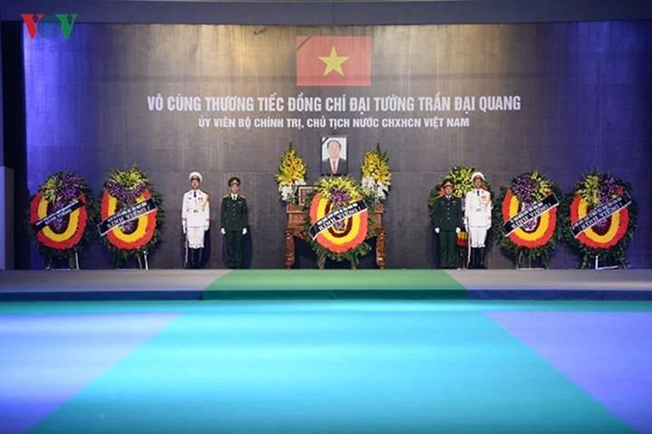 Lễ an táng Chủ tịch nước Trần Đại Quang tại quê nhà-40