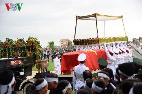 Lễ an táng Chủ tịch nước Trần Đại Quang tại quê nhà-29
