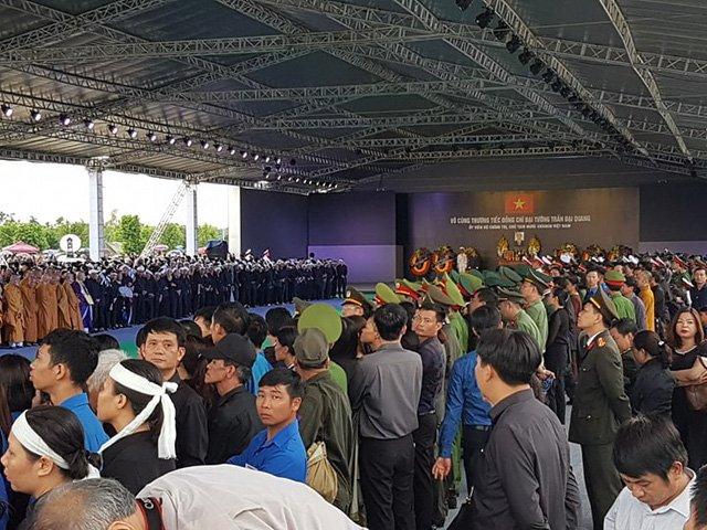 Lễ an táng Chủ tịch nước Trần Đại Quang tại quê nhà-32