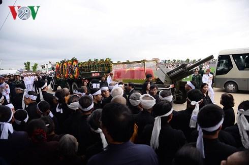 Lễ an táng Chủ tịch nước Trần Đại Quang tại quê nhà-26