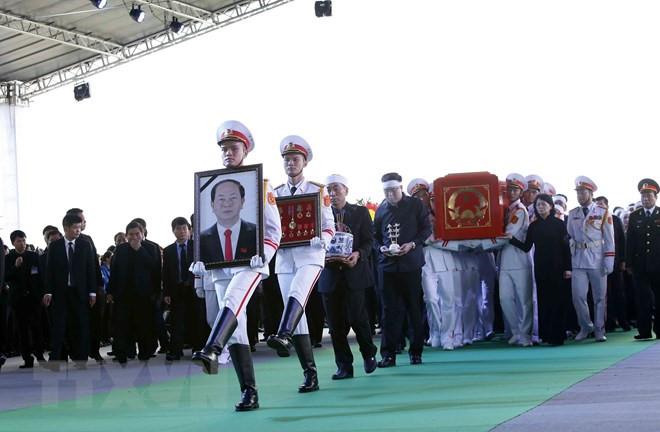 Lễ an táng Chủ tịch nước Trần Đại Quang tại quê nhà-25