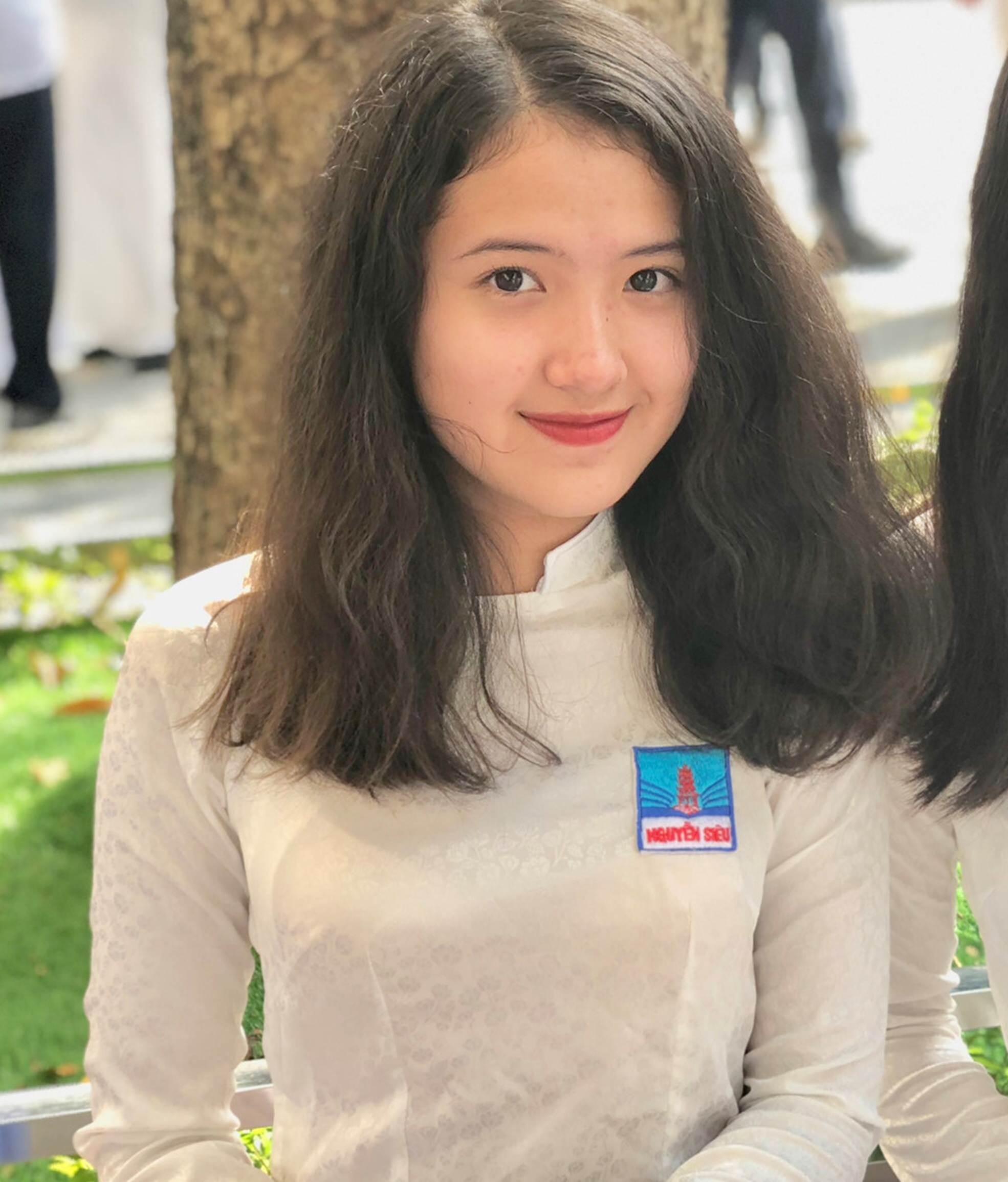 Tiểu thư 10X Hà thành xinh đẹp, giỏi tiếng Anh, từng đến 6 quốc gia-2