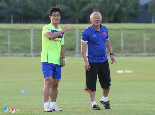 HAGL có ứng viên phiên dịch cho HLV Park Hang Seo ở AFF Cup-2