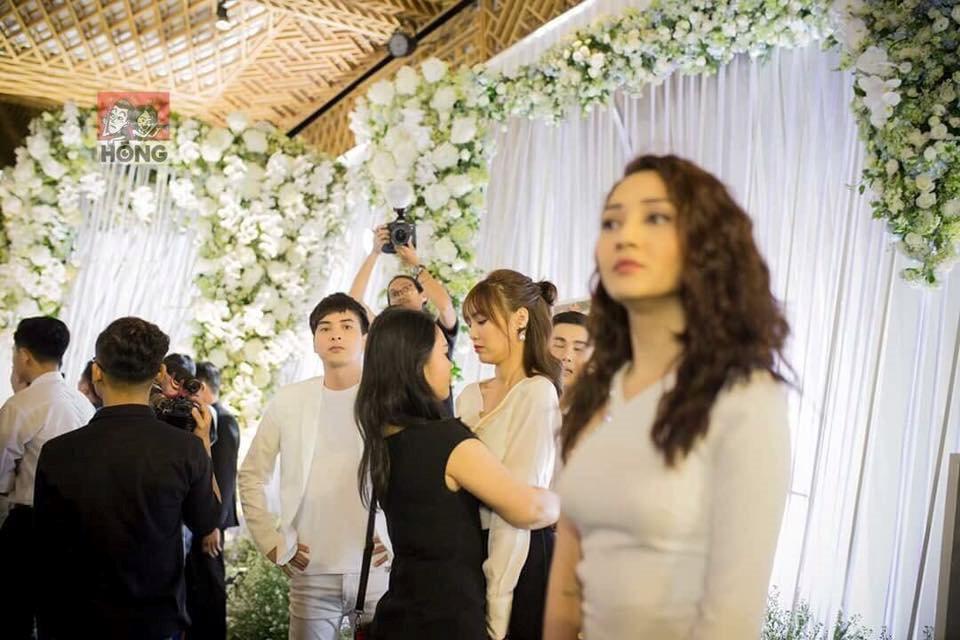 Ánh mắt của người cũ dành cho Bảo Anh tại đám cưới Trường Giang gây sốt-3