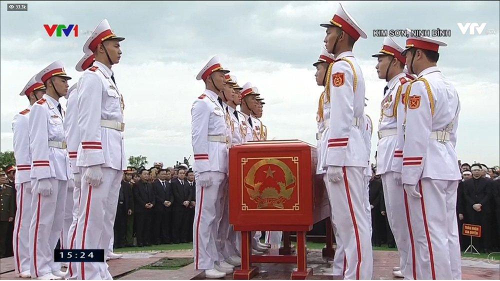 Lễ an táng Chủ tịch nước Trần Đại Quang tại quê nhà-18