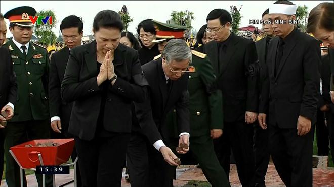 Lễ an táng Chủ tịch nước Trần Đại Quang tại quê nhà-12