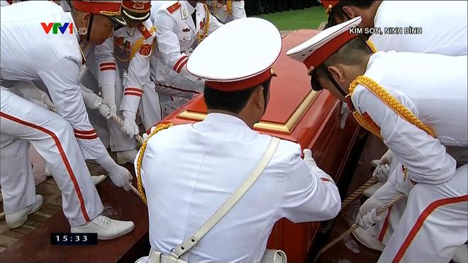 Lễ an táng Chủ tịch nước Trần Đại Quang tại quê nhà-15