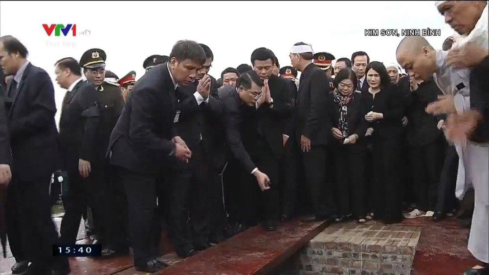 Lễ an táng Chủ tịch nước Trần Đại Quang tại quê nhà-13