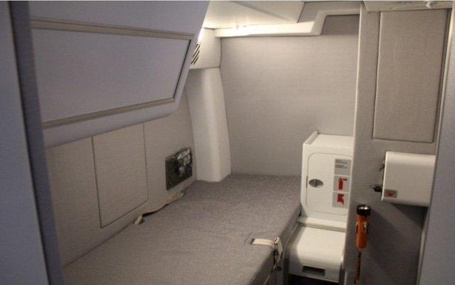 Phòng kín trên máy bay: Bí mật riêng của phi công, tiếp viên-9