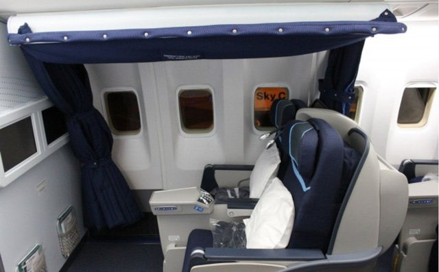 Phòng kín trên máy bay: Bí mật riêng của phi công, tiếp viên-11