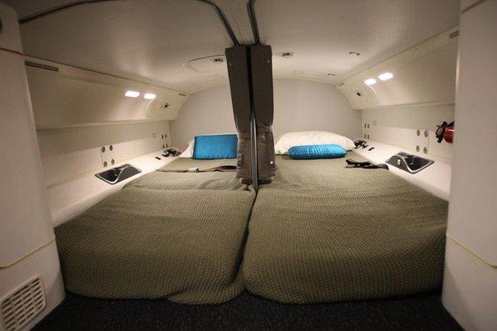 Phòng kín trên máy bay: Bí mật riêng của phi công, tiếp viên-14