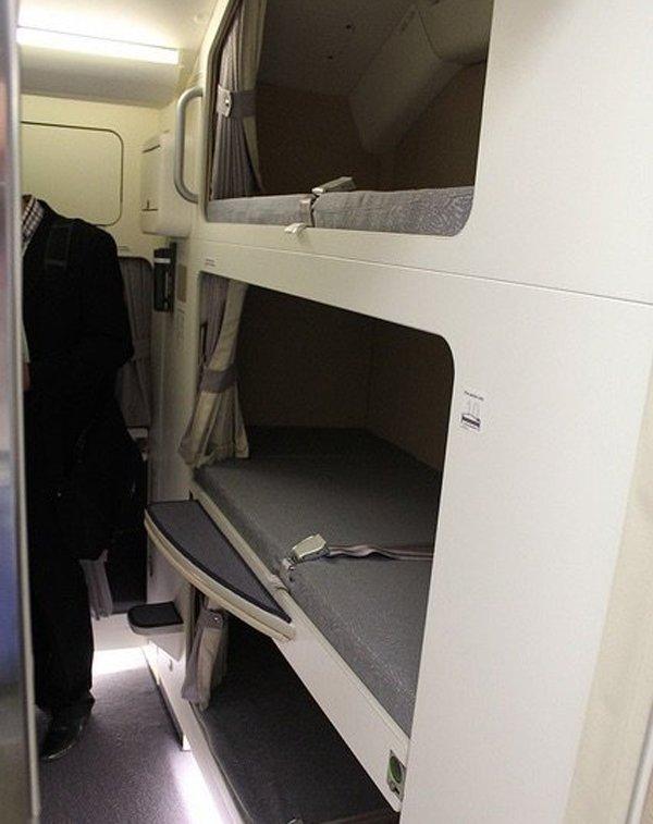 Phòng kín trên máy bay: Bí mật riêng của phi công, tiếp viên-15