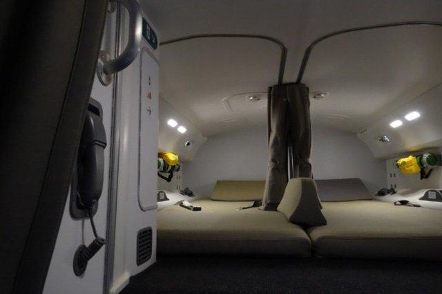 Phòng kín trên máy bay: Bí mật riêng của phi công, tiếp viên-4