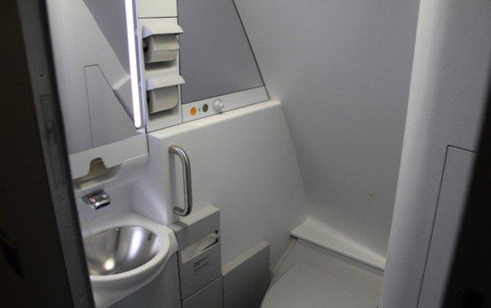 Phòng kín trên máy bay: Bí mật riêng của phi công, tiếp viên-7