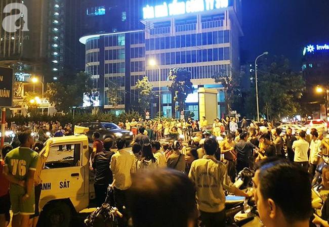 Vụ cô gái trẻ tử vong do thanh thép rơi trên đường Lê Văn Lương: Nhiều người vẫn chưa hết bàng hoàng-2