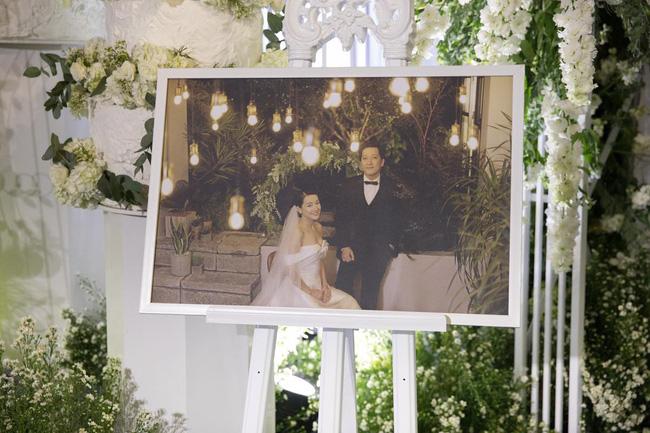Cùng chiêm ngưỡng lại không gian tiệc cưới lộng lẫy, xa hoa như cổ tích trong đám cưới Trường Giang - Nhã Phương-12