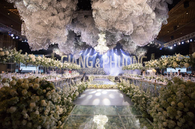 Cùng chiêm ngưỡng lại không gian tiệc cưới lộng lẫy, xa hoa như cổ tích trong đám cưới Trường Giang - Nhã Phương-3