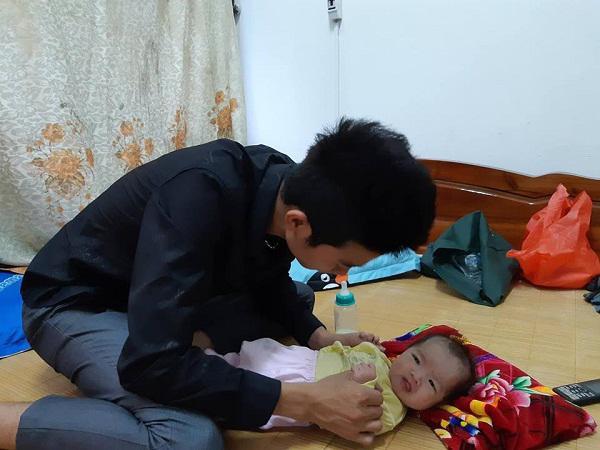 Mẹ 19 tuổi tử vong sau 3 tiếng nấc, hai bé song sinh khóc rạc cổ vì khát sữa-1