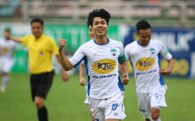 Giữa ồn ào không đáng, V.League liệu có tặng quà cho HLV Park Hang Seo?-1