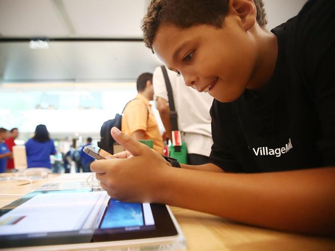 Cậu nhóc 7 tuổi đã có cách qua mặt Apple-1