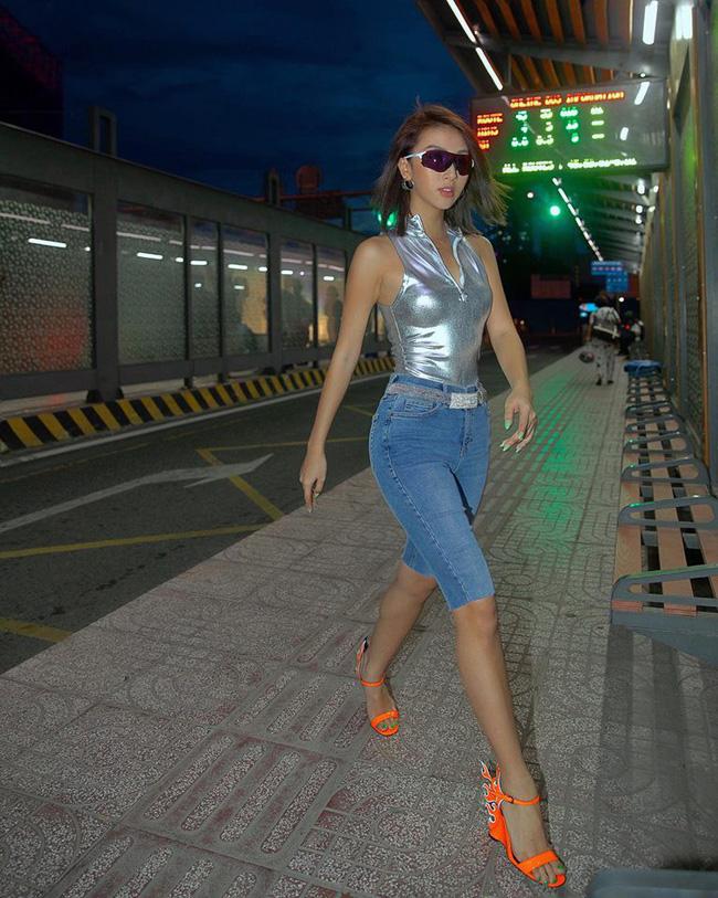 Thu mới chớm mà dàn sao và hot girl Việt đã khoe 1001 kiểu street style, kiểu nào cũng dát đầy hàng hiệu!-3
