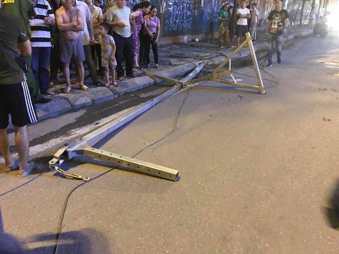 Nguyên nhân ban đầu vụ cần trục rơi xuống đường ở Hà Nội khiến 1 người tử vong tại chỗ-1
