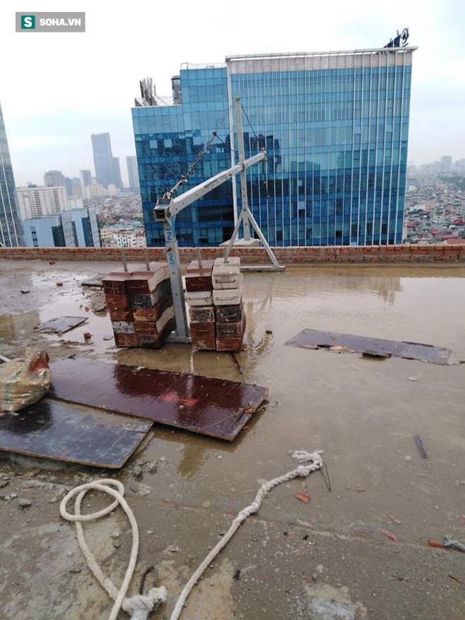 Cận cảnh nơi đặt cần trục rơi xuống đường Lê Văn Lương khiến mẹ đơn thân tử vong-10