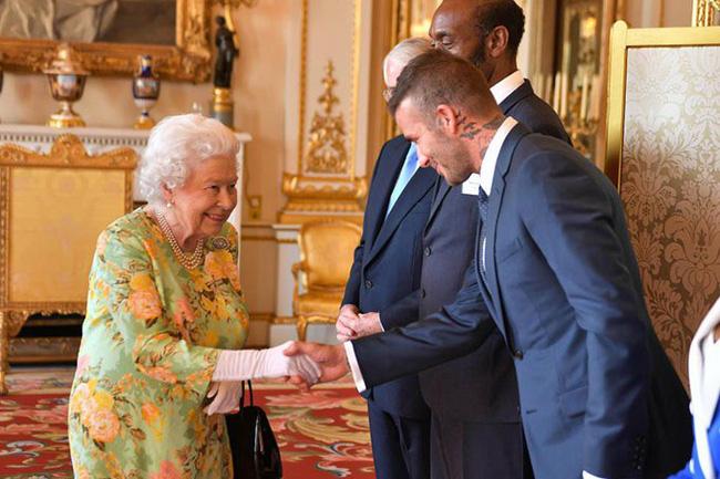 Hoàng gia Anh nghiêm túc cỡ nào cũng không thể thiếu những khoảnh khắc hài hước và hớ hênh bất đắc dĩ của các thành viên-9