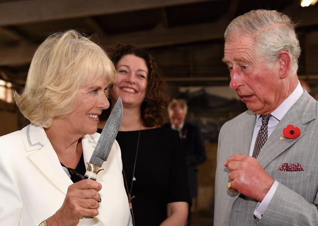 Hoàng gia Anh nghiêm túc cỡ nào cũng không thể thiếu những khoảnh khắc hài hước và hớ hênh bất đắc dĩ của các thành viên-22