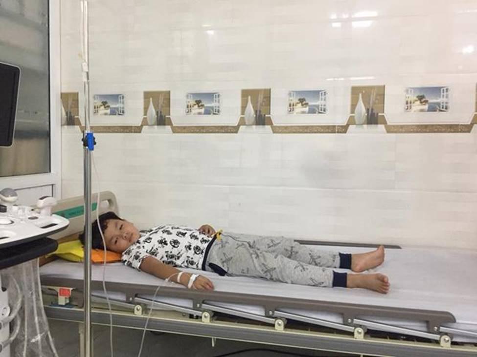 Sau scandal tình cảm Kiều Minh Tuấn - An Nguy, đạo diễn nổi điên vì sao nhí sốc nhập viện-1
