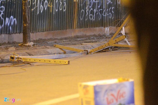Con của nạn nhân chết vì khung sắt công trình rơi trúng: Mẹ cháu đâu?-4
