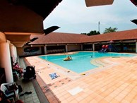 6 bé gái bị quấy rối tình tục ngay tại bể bơi - cảnh báo cha mẹ thận trọng khi đưa con đi bơi